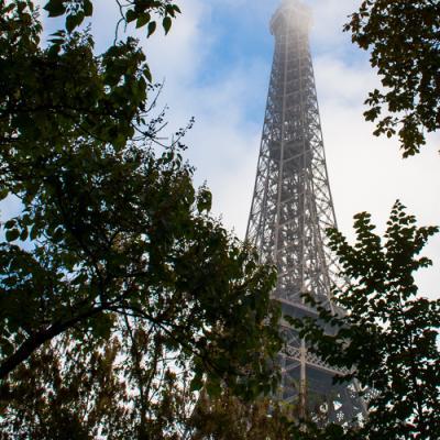 La Tour Eiffel embrumée