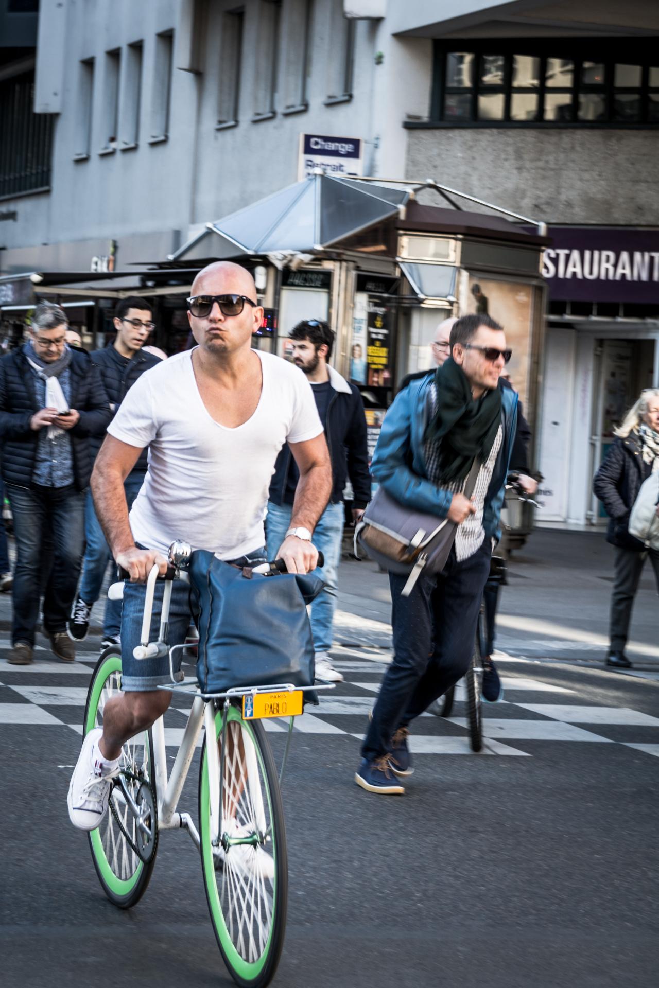 Street Photography - Le Baiser