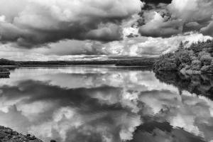 Bretagne reflet sur le lac