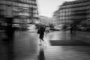 Laure cartel la femme au parapluie