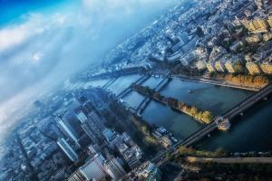 Paris a l heure bleue